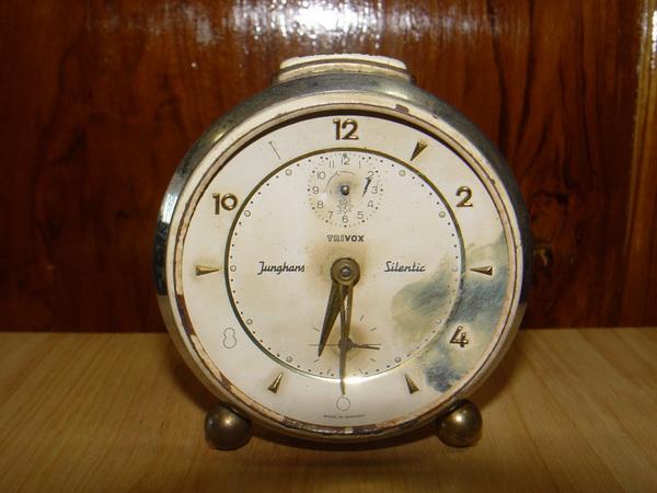 นาฬิกาปลุกวินเทจเยอรมัน JUNGHANS ระบบไขลาน ใช้งานได้ปกติ