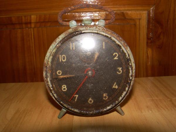 นาฬิกาปลุกไขลานเยอรมัน Mauthe ใช้งานได้ปกติ