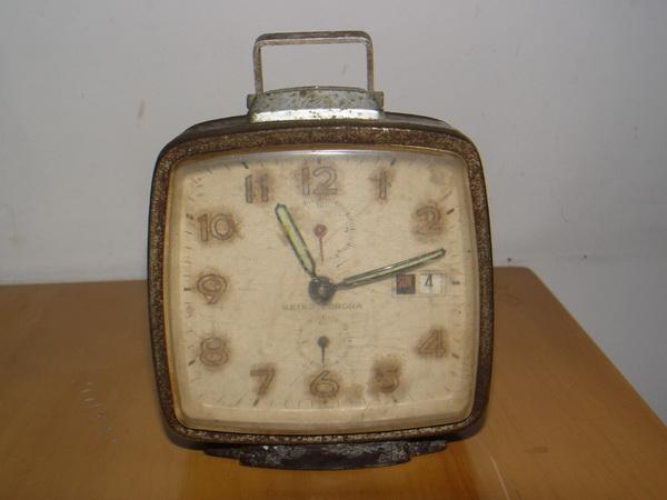 นาฬิกาปลุก Seiko Corona มีวัน-วันที่