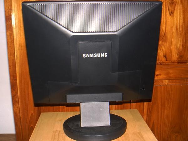 จอคอม LCD SAMSUNG 940N 19นิ้ว สภาพใหม่เก่าเก็บ 6