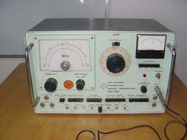 Sanwa FM Standard RF/IF Signal Generator SG-112 ใช้งานได้ปกติ