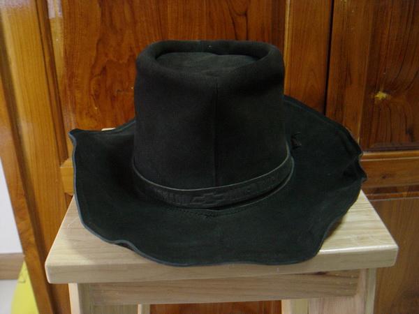 หมวกคาวบอยสีดำ Chevrolet Colorado