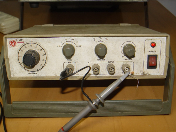 Function Generator 0.2Hz.-200Khz.ใช้งานได้ปกติ