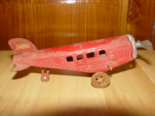 เครื่องบินสังกะสี ไขลาน ของเล่นโบราณ