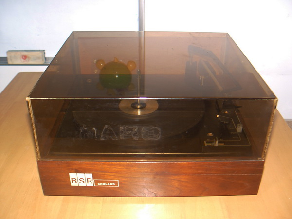 เครื่องเล่นแผ่นเสียง BSR ENGLAND Stereo Turntable ฐานไม้ ใช้ได้ปกติทุกระบบ