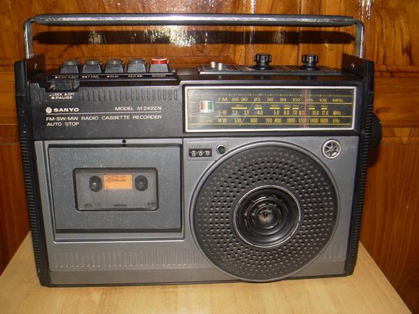 วิทยุเทปโบราณ SANYO M2422N ใช้งานได้ปกติ