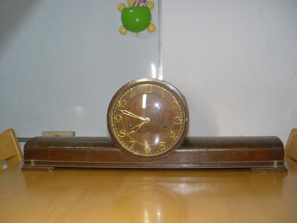 นาฬิกาหัวเตียง 3 ลาน เยอรมัน ใช้่ได้ปกติ