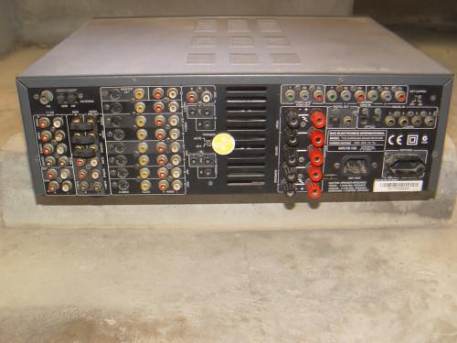 NAD T752 AV Surround Sound Receiver 1