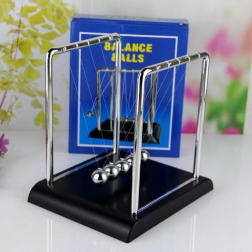 ลูกตุ้มโมเมนตัมโลหะ 5 ลูก Newton Cradle Balance Balls ฐานสีดำ (เสริมฮวงจุ้ย) ของเล่นฟิสิกส์วิทย์