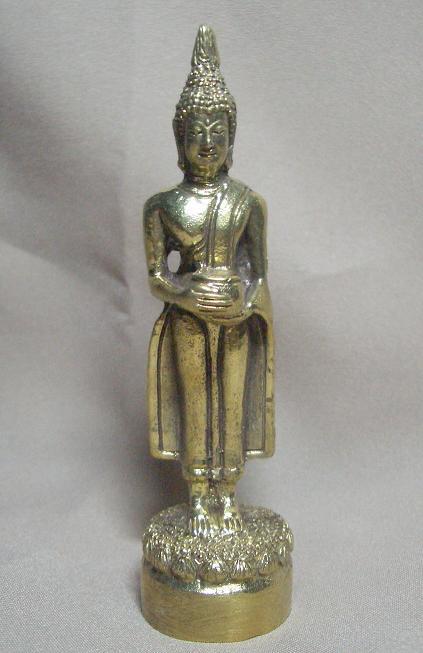 พระประจำวันพุธกลางวัน ปางอุ้มบาตร เนื้อทองเหลือง สูง 3.5 นิ้ว ฐาน 3 ซม. เหมาะตั้งหิ้งขนาดเล็ก