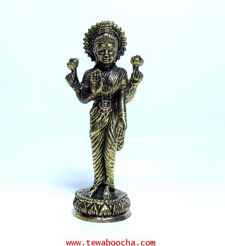 พระแม่ลักษมีเทวีแห่งความร่ำรวยปางประทานพรโปรยเงินทอง (ยืน):เนื้อทองเหลืองำ สูง4ซม.ฐาน1ซม