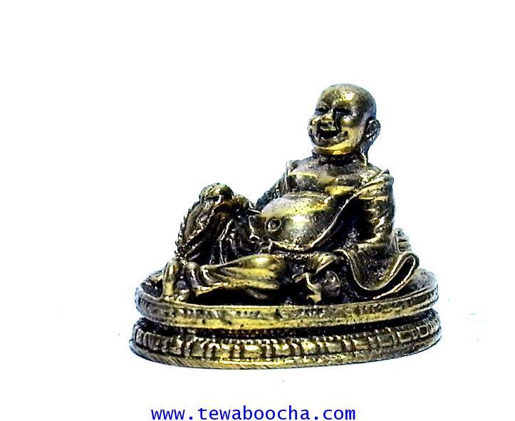 พระสังขจายณ์ปางเสวยสุขบนแท่นทองประทานสุขสมหวังงานเงินและความรักเนื้อทองเหลืองสูง1.5ซมฐาน2ซม.