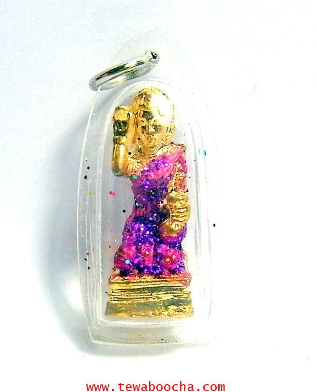 จี้แม่นางกวักเรียกโชคลาภค้าขายดีสวมสไบสีม่วงองค์สี่เหลียมกรอบพลาสติกกันน้ำสูง3.5ซมกว้าง2ซม
