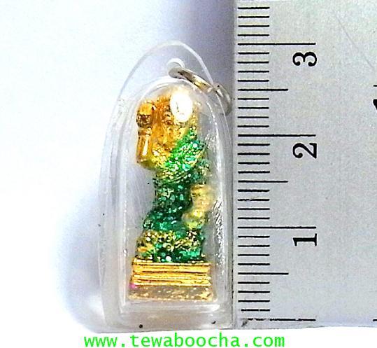 จี้แม่นางกวักเรียกโชคลาภค้าขายดีสวมสไบสีเขียวองค์สี่เหลียมกรอบพลาสติกกันน้ำสูง3.5ซมกว้าง2ซม 2