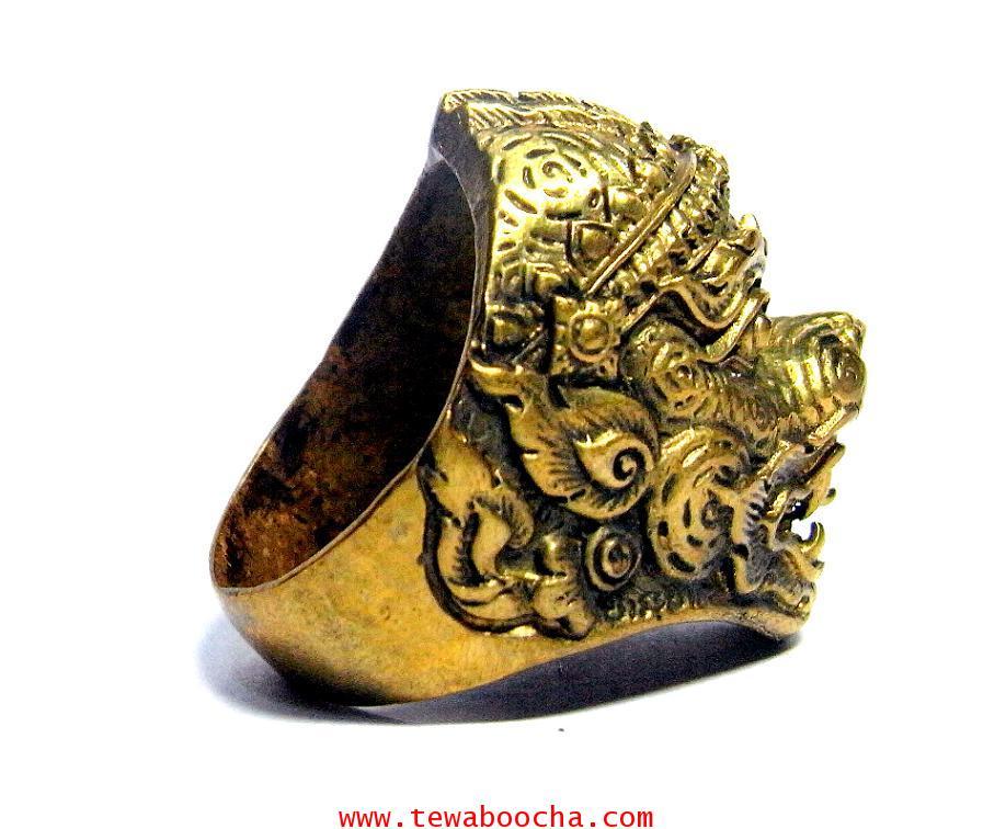 แหวนหนุมานเศียรใหญ่ลายไทยเนื้อทองเหลืองขัดเงา เส้นผ่านศูนย์กลาง 2 ซม.หน้าแหวนสูง2.8ซม. 3