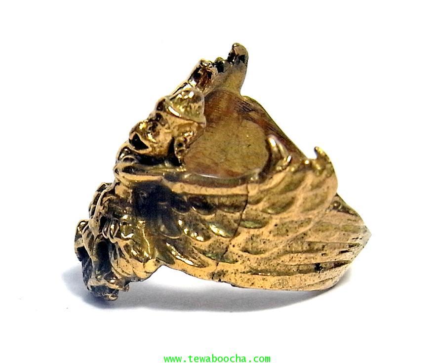 แหวนพญาครุฑกางปีกโค้ง ครอบนิ้ว เสริมดวงชนะศึกไล่อัปมงคล เสริมบารมี ปกครองบริวารดี มีคนนับถือยำเกรง 1