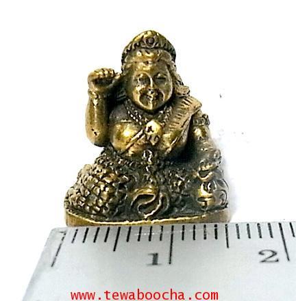 แม่นางกวักแม่รวยอุดมสมบูรณ์มั่งมีเงินทองถือถึงเงินทองกวักมือขวาเนื้อทองเหลืองสูง2ซมฐาน1.5ซม. 5