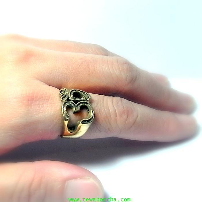แหวนสัญลักษณ์โอม รวมพลังมหาเทพ เนื้อทองเหลืองผิวเก่าหน้าแหวนสูง 1.3 ซม.เส้นผ่านศูนย์กลาง2ซม. 6