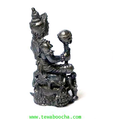 พระยายมราชนั่งบัลลังก์กะโหลกพร้อมพระสุวรรณสุวาณคุ้มภัยกันภูติผีปีศาจ เนื้อนวโลหะรมดำสูง 4ซม.ฐาน2ซม. 1