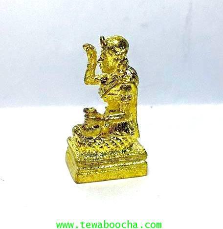 นางกวักมหาลาภจิ๋ว ถือถุงเงินมือขวากวักมือซ้ายนั่งแท่นเนื้อทองเหลืองชุบทอง สูง 2ซม.ฐาน 0.8 ซม. 1