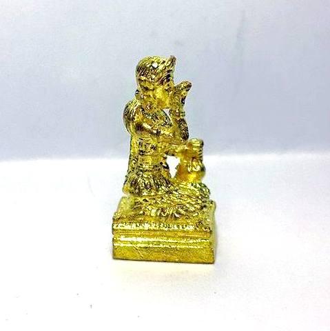 นางกวักมหาลาภจิ๋ว ถือถุงเงินมือขวากวักมือซ้ายนั่งแท่นเนื้อทองเหลืองชุบทอง สูง 2ซม.ฐาน 0.8 ซม. 3