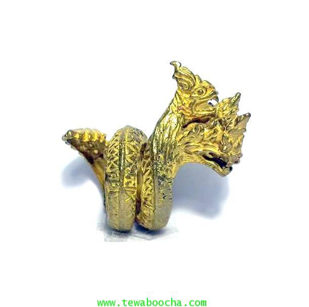 แหวนพญานาคสี่เศียรลำตัวม้วนเกลียวรอบนิ้วเนื้อทองเหลืองชุบทองหน้าแหวนสูง4.5ซม.ขยายได้ฟรีไซด์