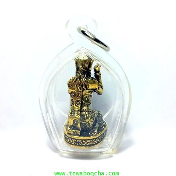 นางกวักมหาลาภถือถุงเงินนั่งกวักนุ่งสไบลายดอกเนื้อทองเหลืองชุบทองกรอบพลาสติกกันน้ำสูง3.5ซม.กว้าง2.5ซม 3