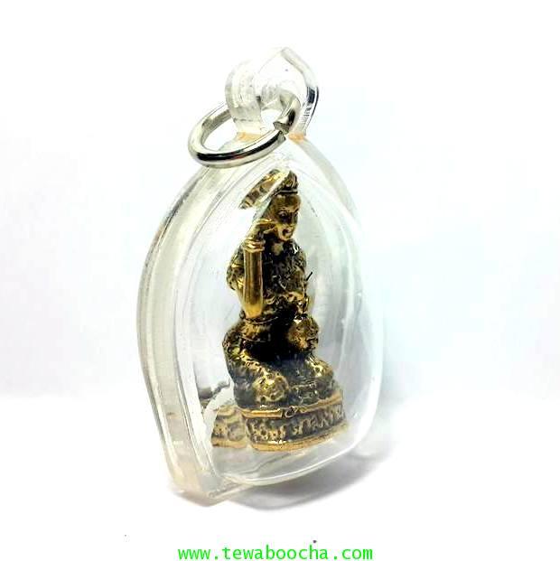 นางกวักมหาลาภถือถุงเงินนั่งกวักนุ่งสไบลายดอกเนื้อทองเหลืองชุบทองกรอบพลาสติกกันน้ำสูง3.5ซม.กว้าง2.5ซม 4