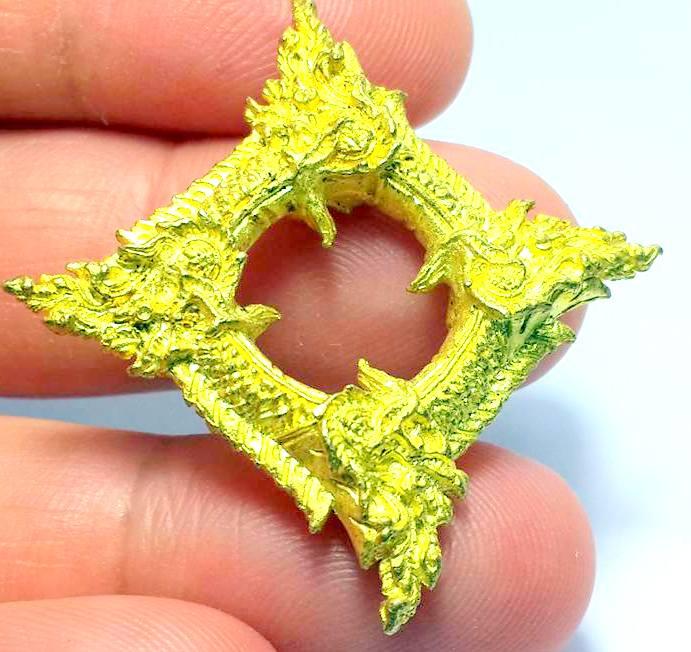 บ่วงนาคบาศก์งูกินงูขดนาค4องค์มตตามหานิยมให้โชคมีกินไม่หมดจัตตุรัศ2.5x2.5ซม.ทองเหลืองชุบทอง 3