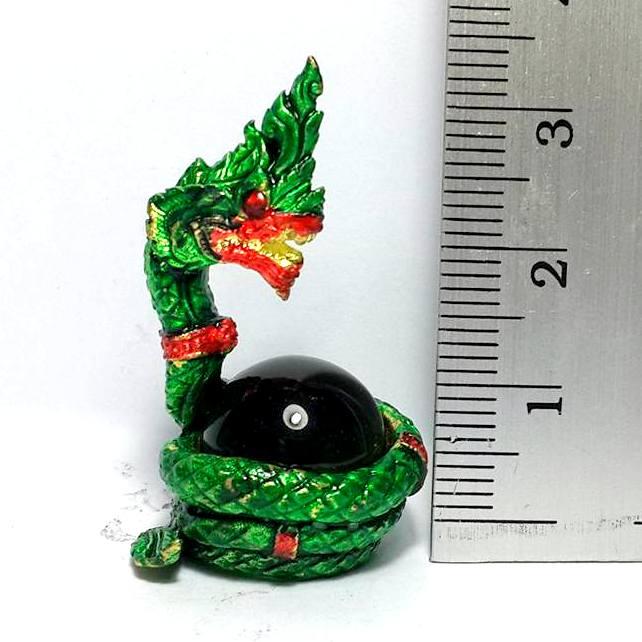 องคพญานาคอุ้มลูกแก้วสมปรารถนาล้อมลูกแก้วสีเขียว ให้ลาภเมตตามหาเสน่ห์สูง3.5ซม.ฐาน2ซม. 4