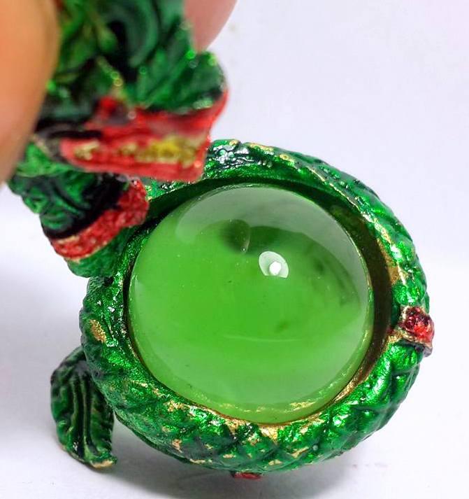องคพญานาคอุ้มลูกแก้วสมปรารถนาล้อมลูกแก้วสีเขียว ให้ลาภเมตตามหาเสน่ห์สูง3.5ซม.ฐาน2ซม. 5