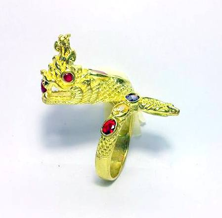 แหวนพญานาคราชชุบทองฝังพลอยเจ็ดสีฟรีไซด์ ปรับขนาดได้เสริมเสน่ห์เมตตา โชคลาภดี