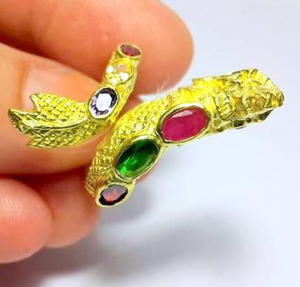 แหวนพญานาคราชชุบทองฝังพลอยเจ็ดสีฟรีไซด์ ปรับขนาดได้เสริมเสน่ห์เมตตา โชคลาภดี 2