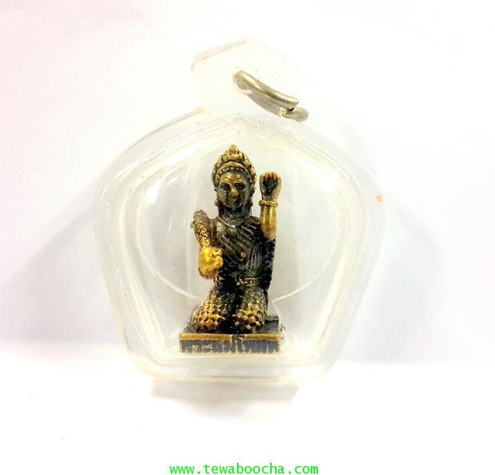 พระแม่โพสพเทพีแห่งความอุดมสมบูรณ์ทางโภคทรัพย์เนื้อทองเหลืองกรอบพลาสติกกันน้ำสูง2.5ซม.กว้าง2ซม.(เล็ก)