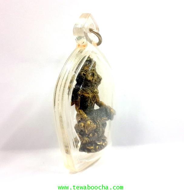 พระแม่ลักษมีปางประทานพรนั่งบัวเนื้อทองเหลืองประทานความสำเร็จมีเงินทองกรอบพลาสติกกกันน้ำขนาด4.5x2.5ซม 5