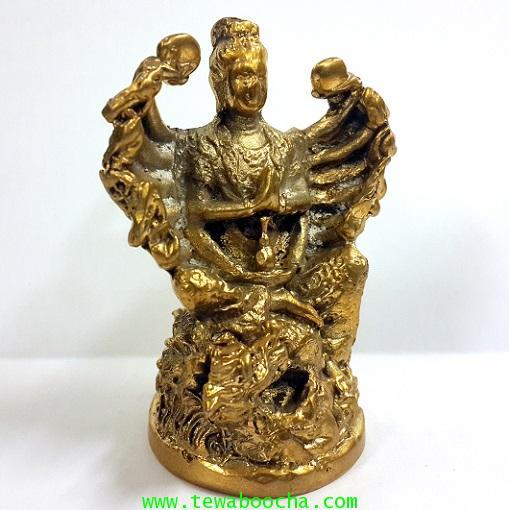 เจ้าแม่กวนอิมพันมือพระสหัสสหัตถ์สหัสสเนตรอวโลกิเตศวร ประทับหลังมังกร เนื้อทองเหลืองสูง7ซม.ฐาน3.5ซม. 3