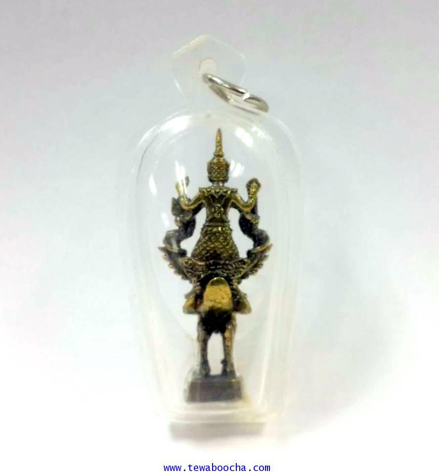 จี้พระนารายณ์ทรงครุฑ ช่วยป้องกันภยันอันตรายเนื้อทองเหลืองกรอบพลาสติกกันน้ำสูง4ซม.กว้าง1.5ซม. 1