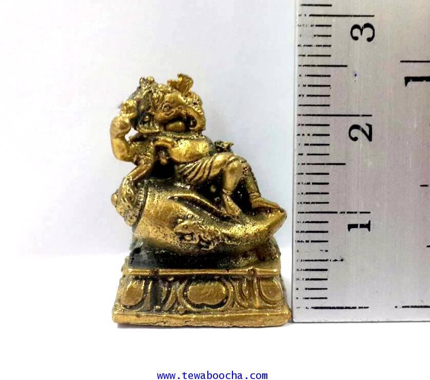 พระพิฆเนศปางเสวยสุขนั่งบัลลังก์หอยสังข์ประทานพร(จิ๋ว):เนื้อทองเหลืองสูง2.5ซม.ฐาน1.8ซม 4