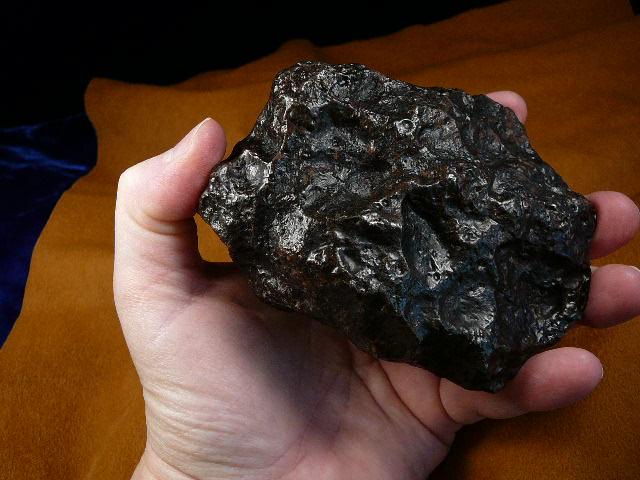 อุกกาบาตที่เป็นโลหะล้วน From Argentine - (1,629 grams)