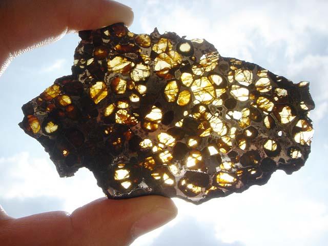 (อุกกาบาตที่เป็นหินผสมโลหะ ) Stony-Iron Meteorites \quot;Pallasites\quot; (26.3 grams) จำหน่ายแล้ว !