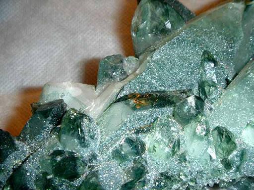 กรีน ควอรตซ์ (Green Quartz) หรือ พลาซีโอไลท์ (Praziolite) 2