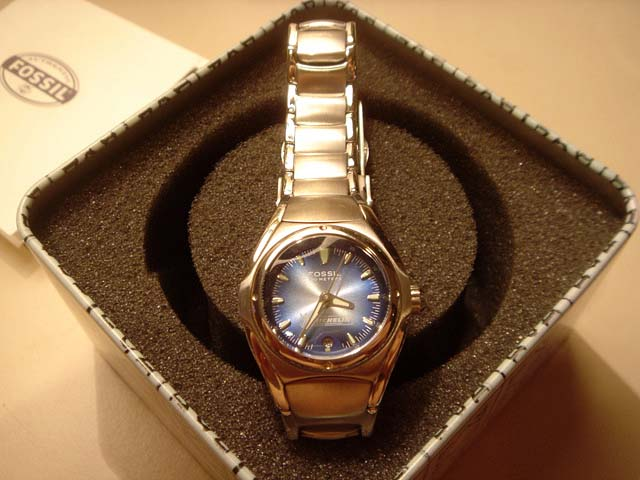FOSSIL WATCH -(Michelin) BRAND NEW IN TIN !~Excellent 1