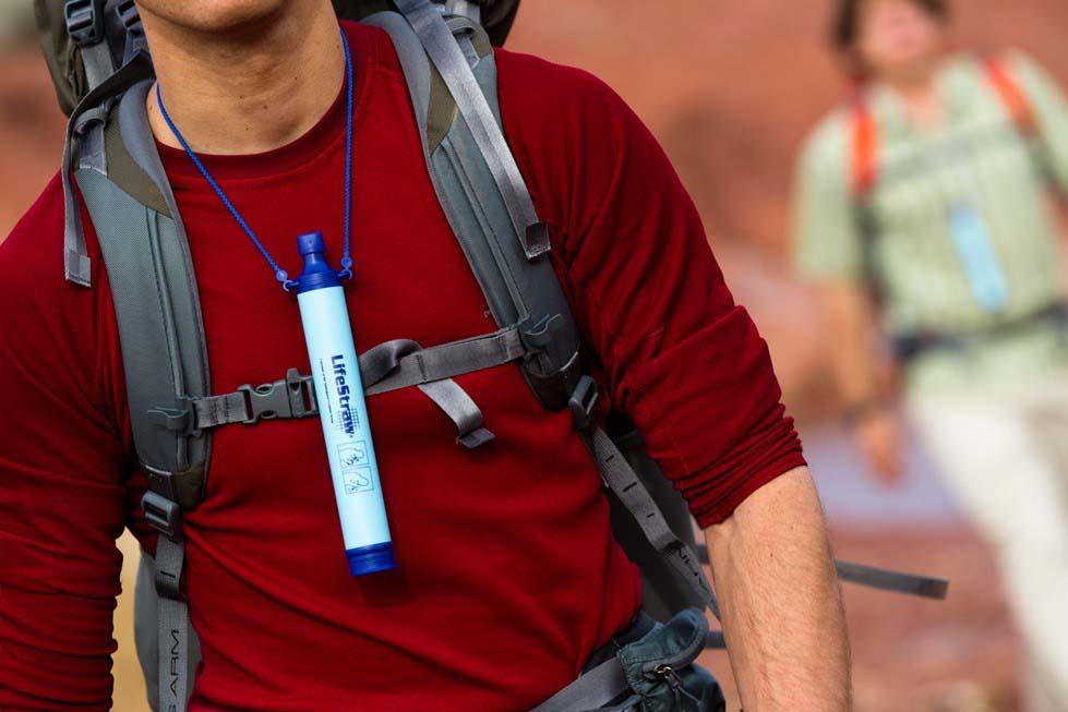 เครื่องกรองน้ำพกพา LifeStraw (กรองน้ำได้ถึง 99.99 เปอร์เซ็น) 3
