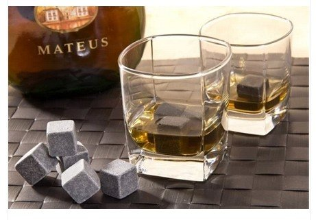 Whisky Stones หินน้ำแข็ง ใส่วิสกี้ เหล้า เบียร์ ให้ความเย็นแทนน้ำแข็ง (1เซ็ต 9 ชิ้น แถมฟรีถุงผ้า)