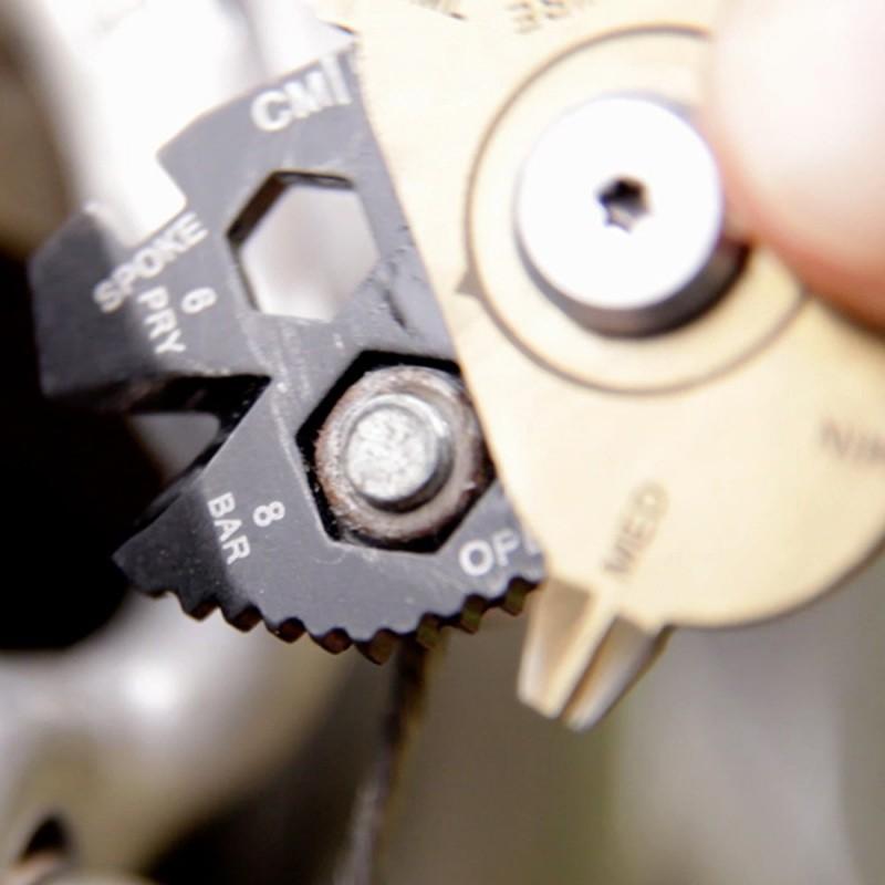 อุปกรณ์พวงกุญแจเครื่องมือท่องเที่ยว อเนกประสงค์ 20 in 1 (ฟรีค่าจัดส่ง) 6