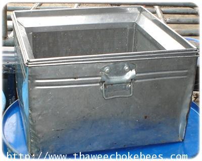 ถังกรองน้ำผึ้ง  ขนาดกว้าง 57 cm ยาว 57 cm สูง 32 C m ไม่รวมค่าขนส่ง