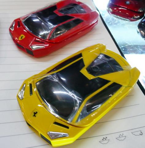 Mini V8 Ferrari car Dual sim  Fashion Mobile phone ใหม่