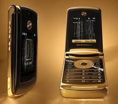 Motorola V8 Luxury 2 GB New!!!  Made in U.K.