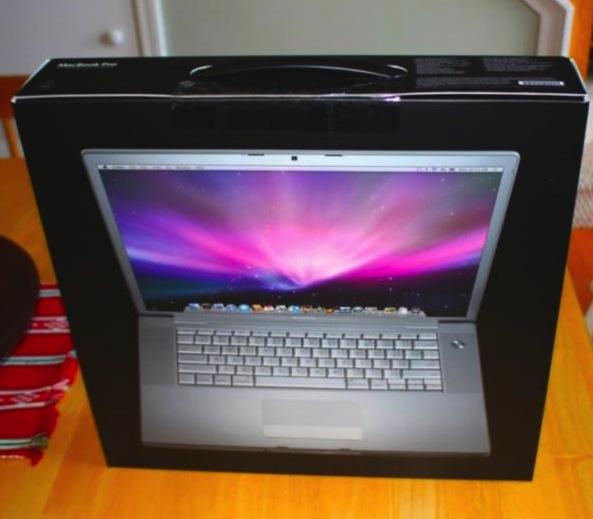 Apple Macbook Pro Intel Core2Duo 2.5 GHz 15 inch  สภาพ 95 Early2008
