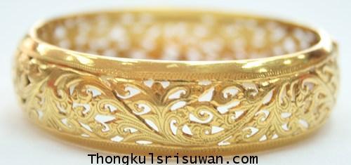 กำไลข้อมือทองคำแกะลายไทย
